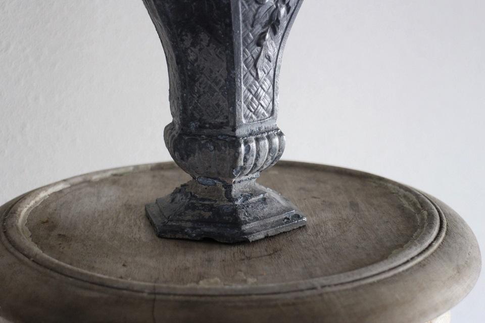 フランス ローズ柄 鋳物フラワーベース 4433