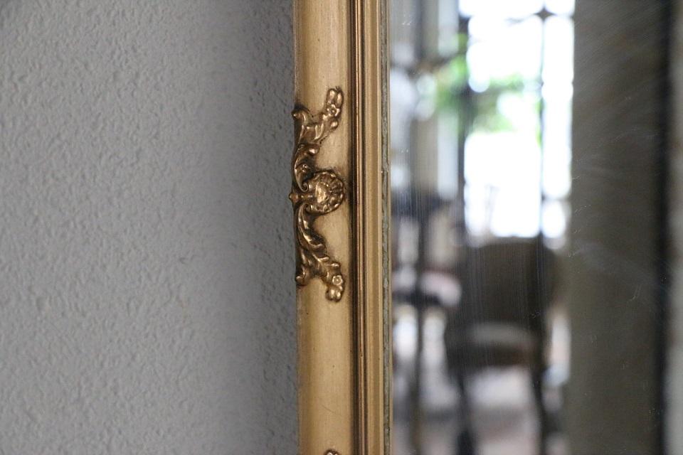 ロココな雰囲気の小さなゴールドミラー 4659
