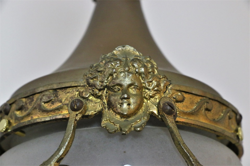 ルイ15世様式 サテンシェードのランプ 4713