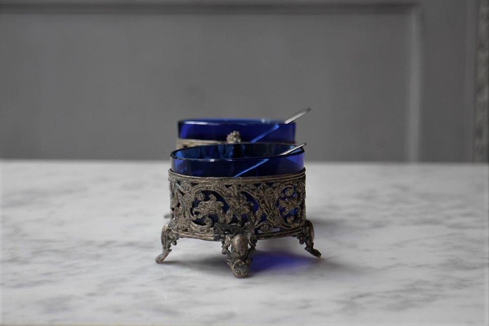 フランス ロココ様式 コバルトブルーグラスのソルト&ペッパーディッシュ 4119