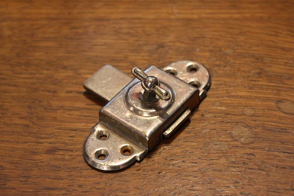 フランス メタル鍵 ロック 842