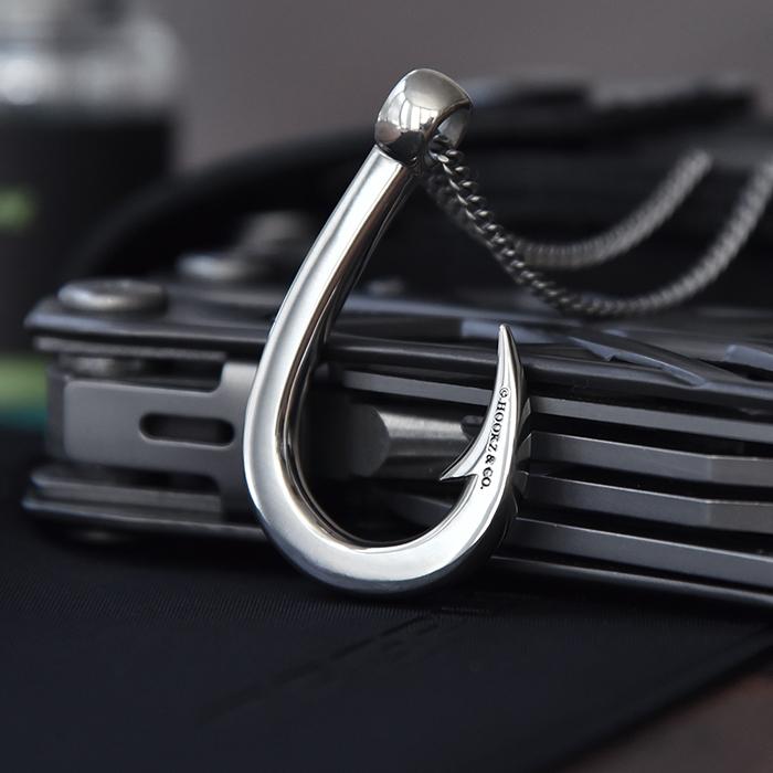 釣り針ネックレス 【Mサイズ】