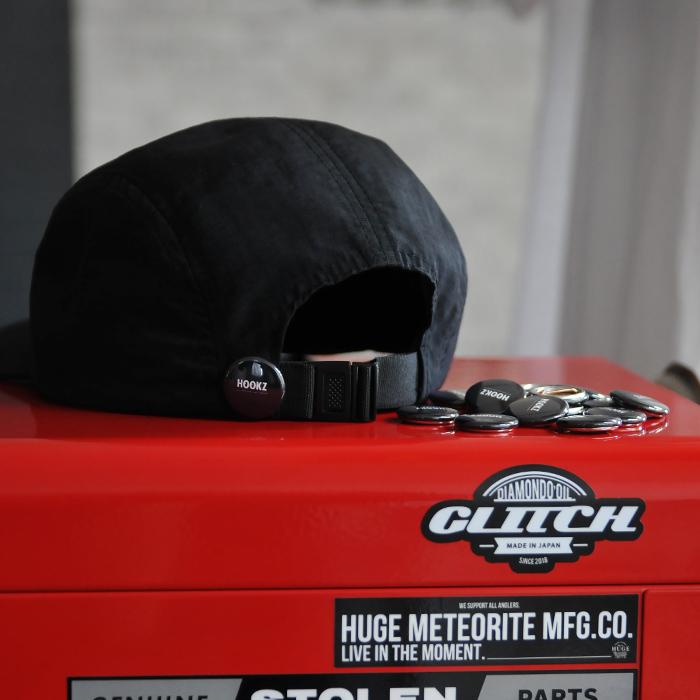 HOOKZ キャンプキャップ|缶バッチ付き