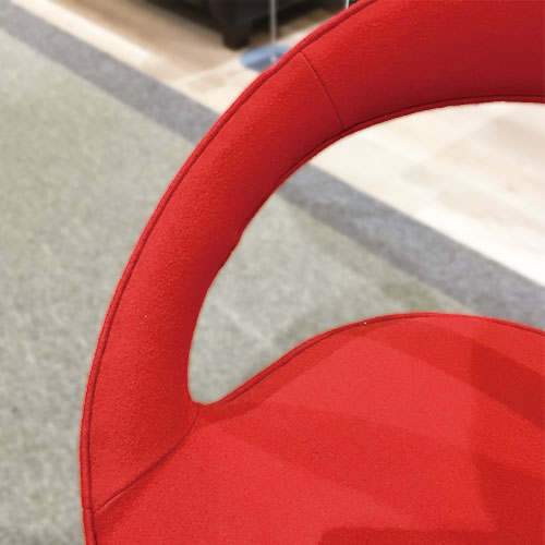 【142,000円より20%引】回転椅子 アネロ パディング 布レッド/メープル/南船橋店展示品