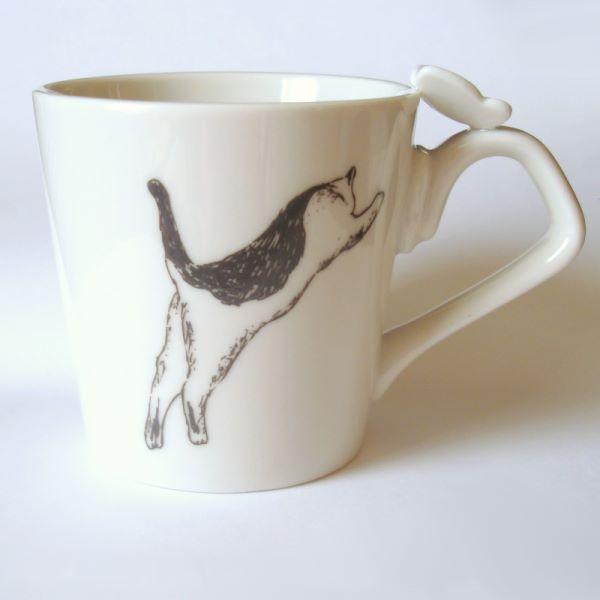 ネコとちょうちょうのマグカップ