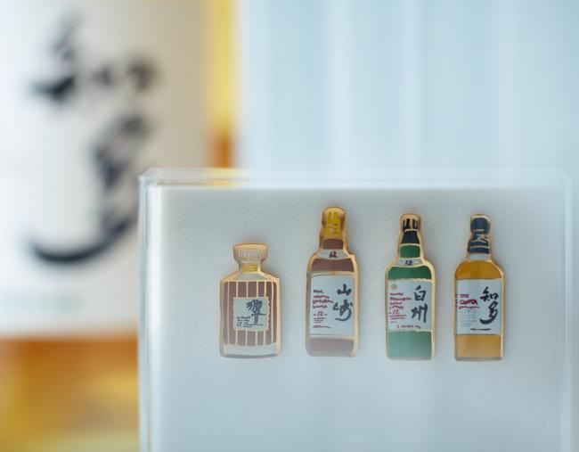 ボトルデザインピンバッチ【サントリーウイスキー知多】