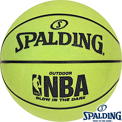 SPALDINGグローインザダーク 光る蓄光ストリート用バスケットボール7号 ラバー スポルディング73-7378