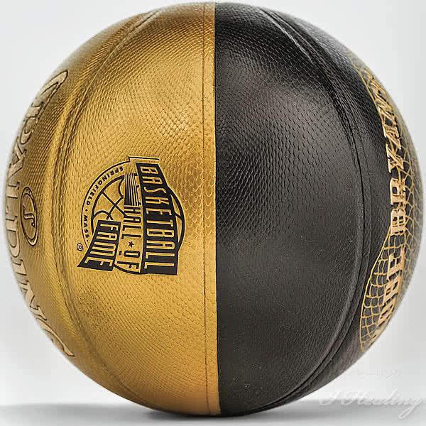 KOBE BRYANT 2020コービーブライアント 殿堂入り記念ボール バスケットボール 7号 ブラックゴールド バスケ 76-761Z 合成皮革 ケース付 SPALDING
