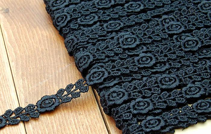 【お買得】 1cm幅 黒かわいいバラケミカルレース(1m)