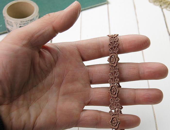 【お買得】 1cm幅ブラウンかわいいバラケミカルレース(1m)