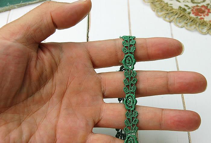 【お買得】 1cm幅グリーンかわいいバラケミカルレース(1m)
