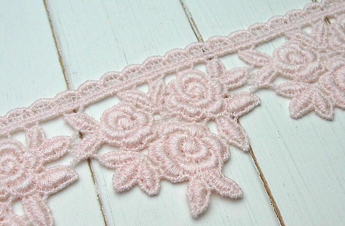 【お買得】5cm幅ピンクのバラケミカルレース(1m)