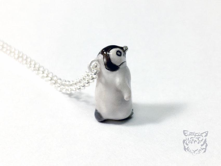 皇帝ペンギンヒナ一歩を踏み出す勇気ネックレス