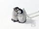 皇帝ペンギンヒナ一緒に温まるネックレス