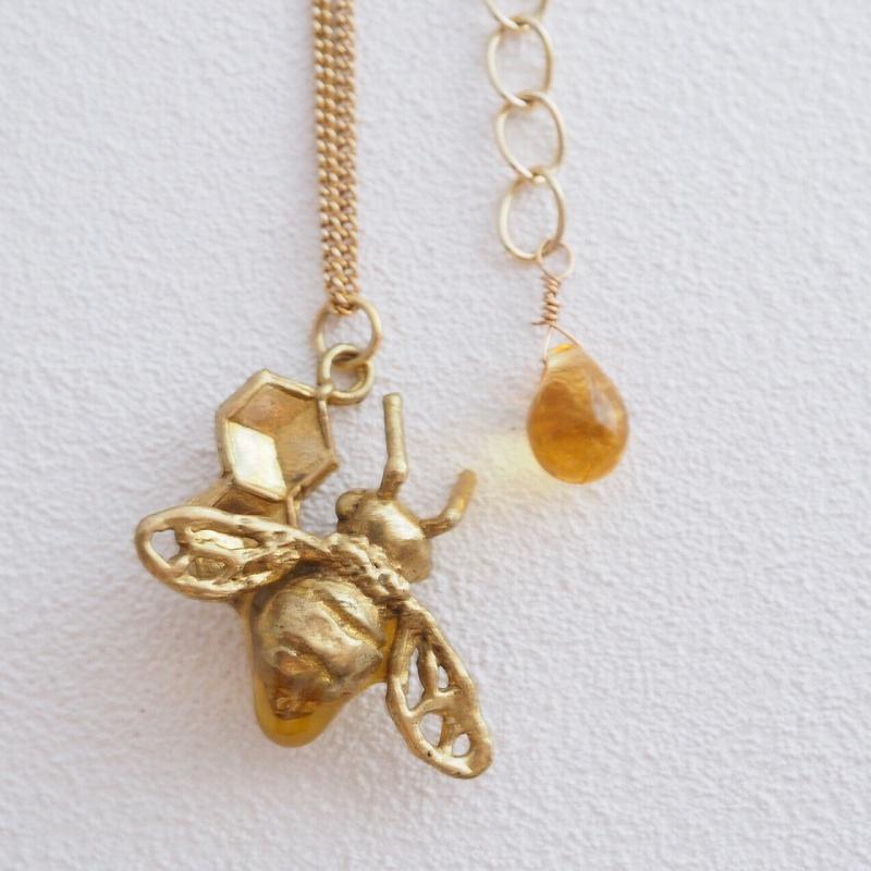 セイヨウミツバチとハチノス(ネックレス)