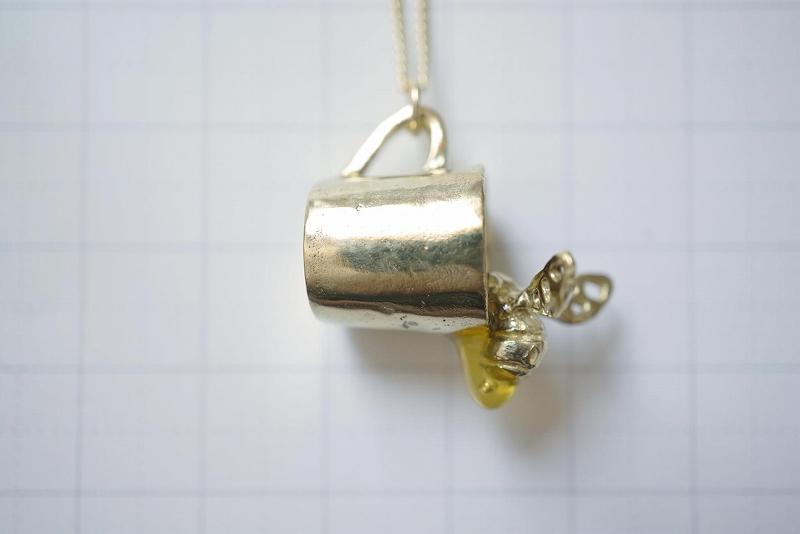 ミツバチコップ(ネックレス)