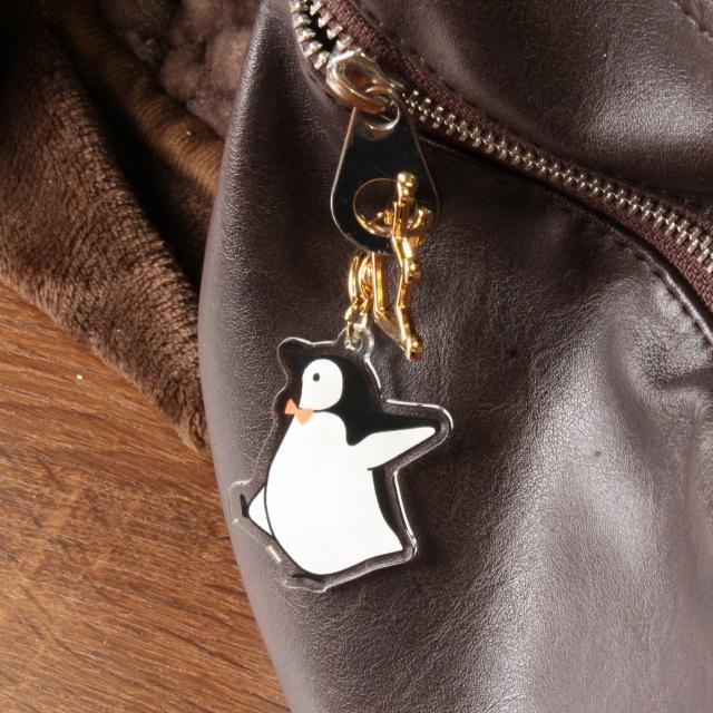 おでかけヒゲペンギンのアクリルストラップ