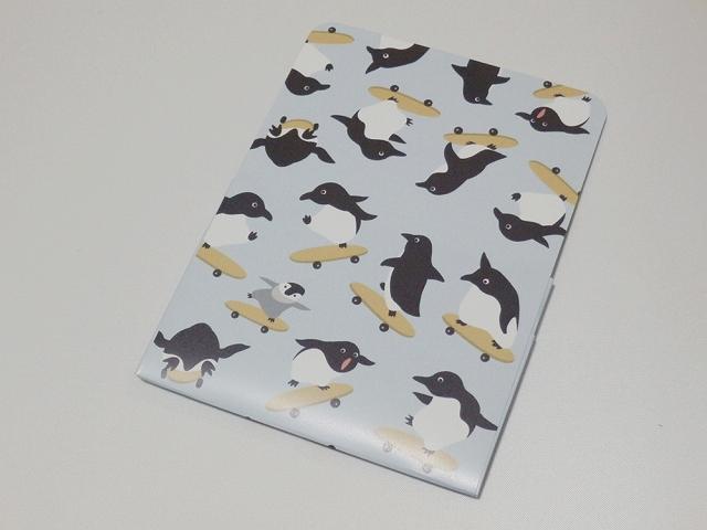 ペーパーカードケース スケボーペンギン