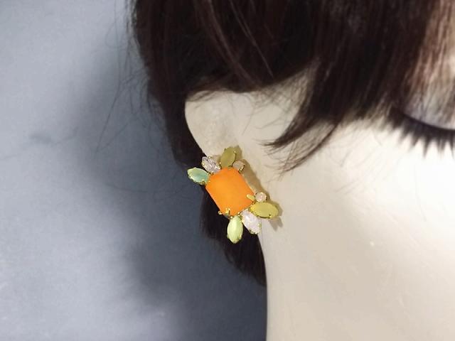 輝くビジューなカニ(orange)(イヤリング)