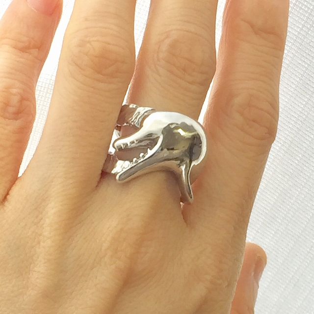 【いきもーる限定販売】鯨の指輪「ハンドウイルカ」オープンマウス