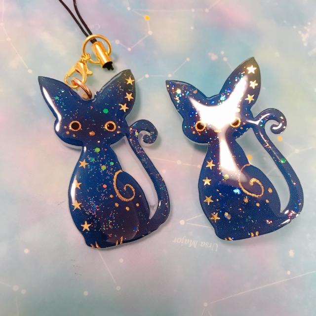 【いきもーる限定販売】猫の夜空柄ストラップ/ブローチ