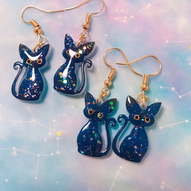 【いきもーる限定販売】猫の夜空柄ピアス/イヤリング