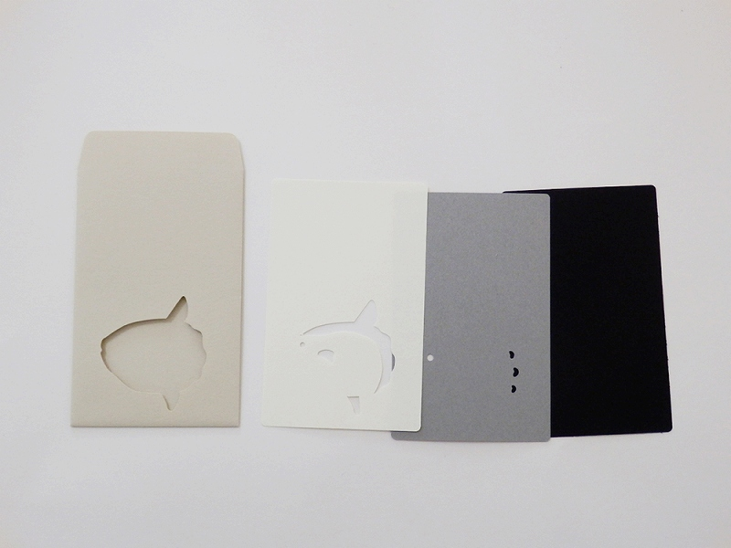 切り絵でつくるぽち袋型メッセージカード 「マンボウ」