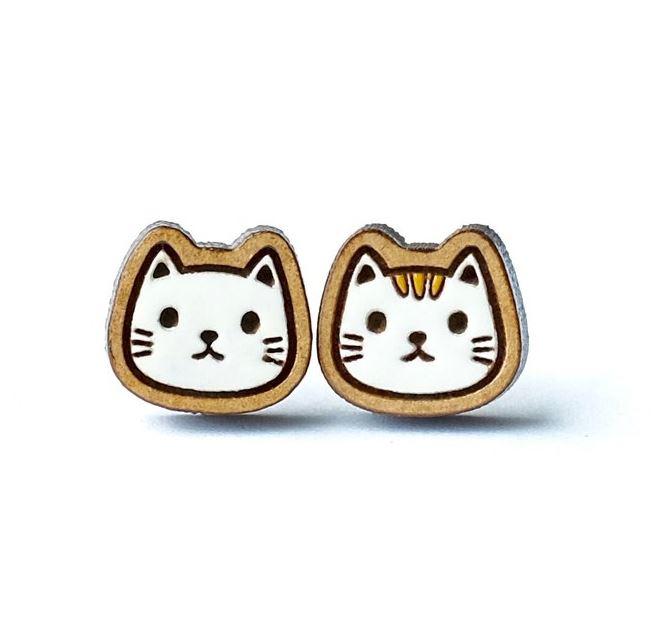 ネコ(白)