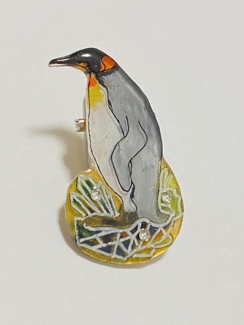 王様ペンギンのブローチ
