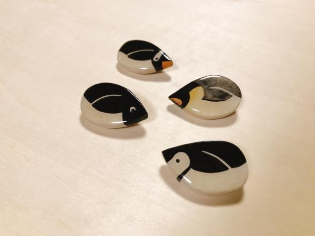 【いきもーる限定販売】潜るジェンツーペンギンのブローチ