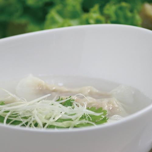 水餃子(8個入・顆粒スープ付)