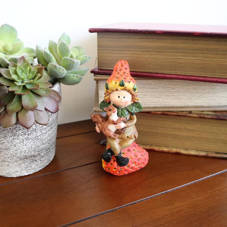 置物 フルーツこびと妖精シリーズ イチゴと リス