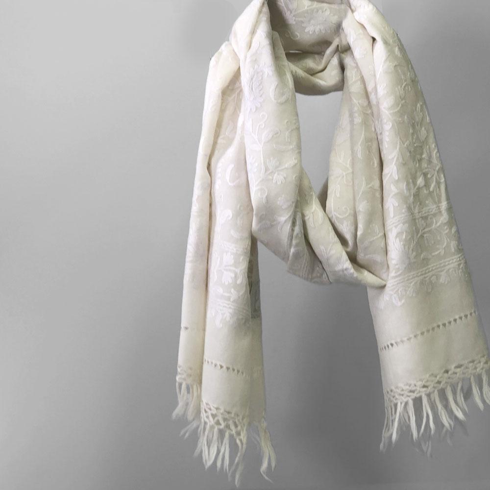 刺繍ストール アーリ 白(ホワイト) 大判 厚手 ギフト 誕生日 プレゼント 着物ショール
