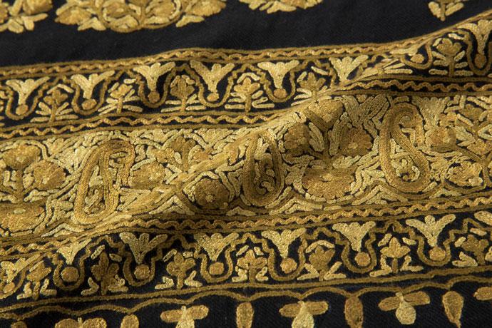 刺繍ストール アーリ 黒(ブラック)/カーキ ギフト 誕生日 プレゼント 着物ショール