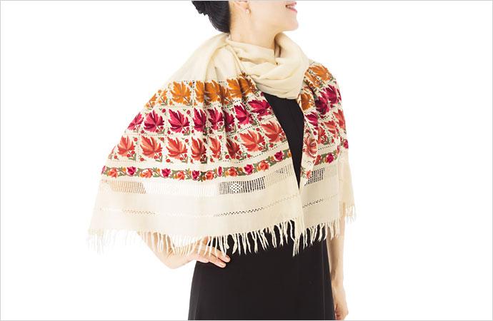 刺繍ストール アーリ 白(ホワイト)K04  ギフト 誕生日 プレゼント 着物ショール