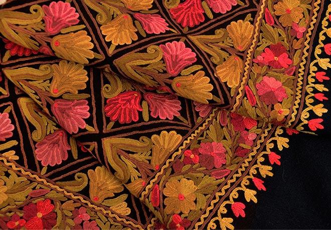 刺繍ストール アーリ 黒(ブラック)08 ギフト 誕生日 プレゼント 着物ショール