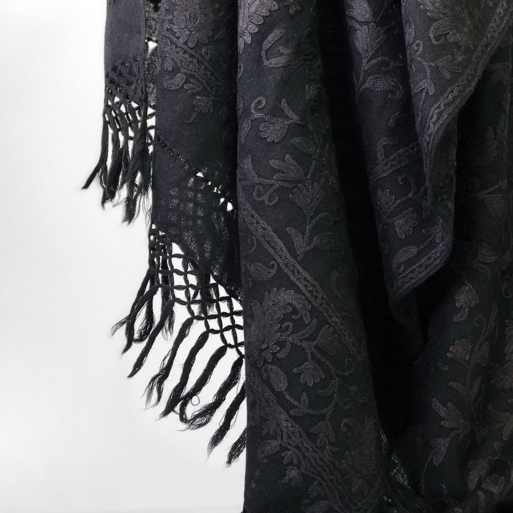 刺繍ストール アーリ 黒(ブラック) ギフト 誕生日 プレゼント 着物ショール