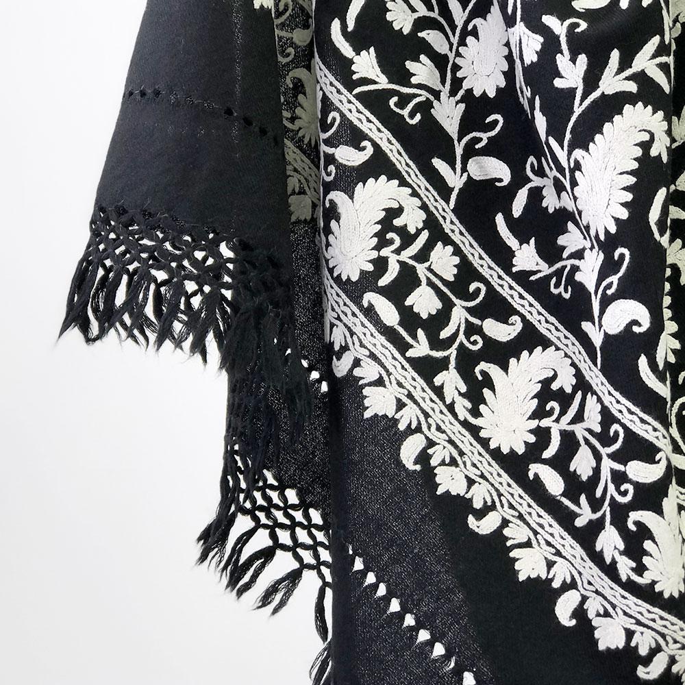 刺繍ストール アーリ 黒(ブラック)/白(ホワイト) ギフト 誕生日 プレゼント 着物ショール