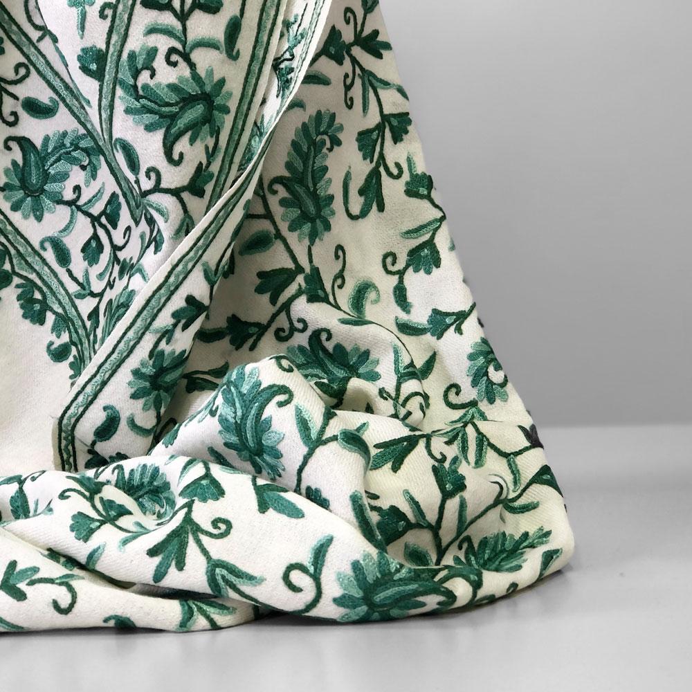 刺繍ストール アーリ 黒(ブラック)/グリーン ギフト 誕生日 プレゼント 着物ショール