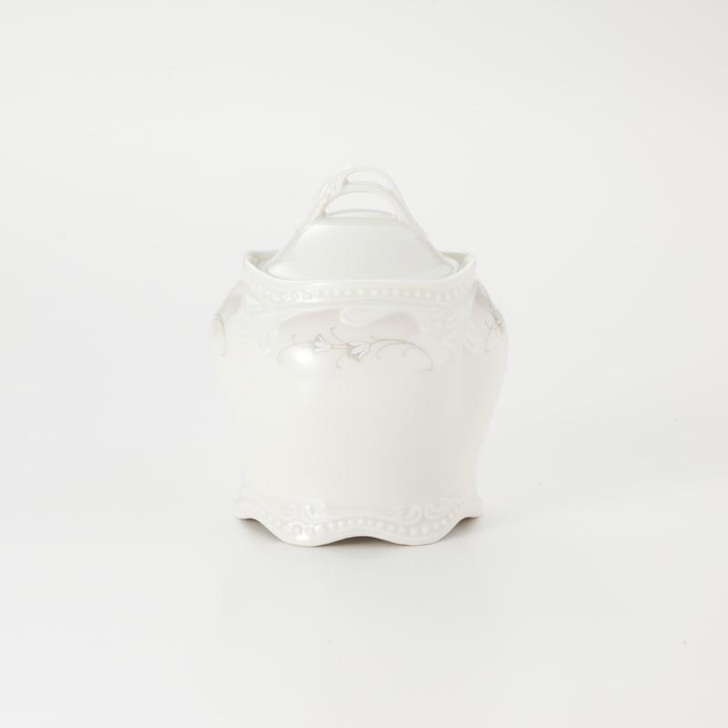 Koeniglich Tettau(Rubin cream)砂糖壺(蓋付き)