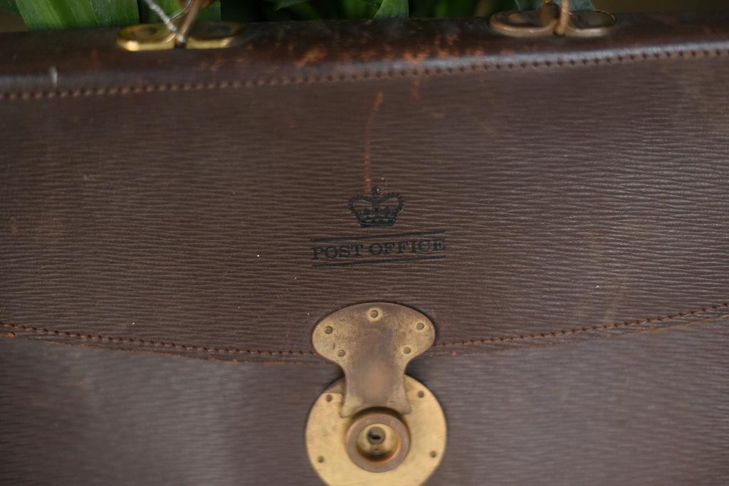 103920 ヴィンテージ 「ER POST OFFICE」 パブリック  ポストオフィス バッグ 革鞄