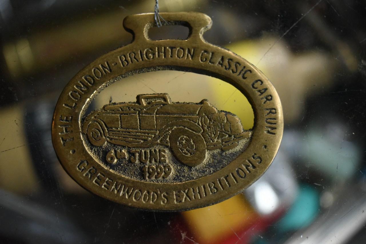 102253 UK ヴィンテージ 真鍮製 エンブレム