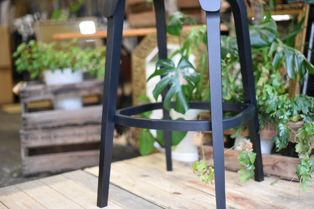 TON BAR STOOL Leaf 371438 ミリタリーグリーン マリーンブルー ホワイト