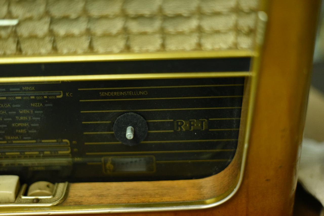 002212 ドイツ ヴィンテージ RFT  ラジオ