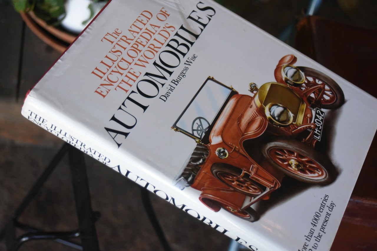 101929 洋書 「THE ILLUSTRATED ENCYCLOPEDIA OF AUTOMOBILES」
