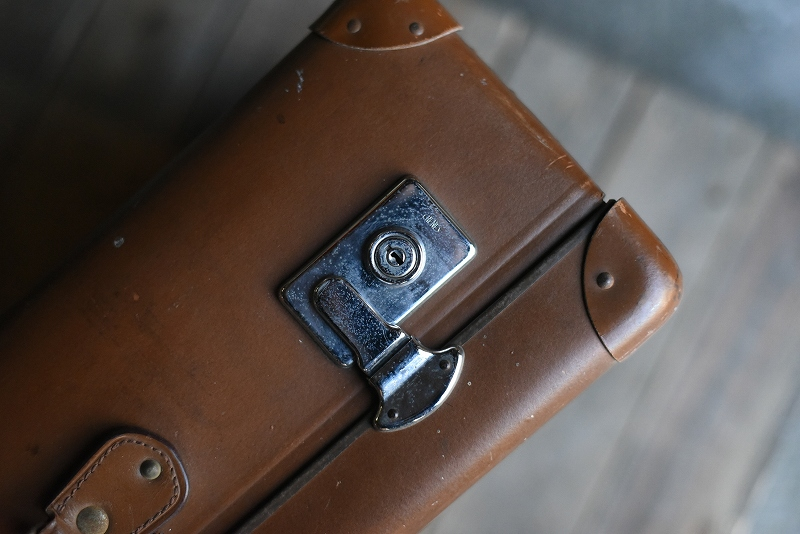 105135 UK ヴィンテージ 英国 グローブ トロッター 「GLOBE TROTTER」 MADE IN ENGLAND 刻印