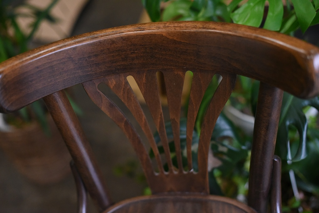 105078 No.056 311056 USED TON CHAIR 中古