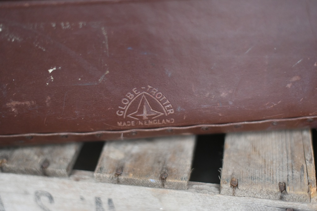 105690 UK ヴィンテージ 英国 グローブ トロッター 「GLOBE TROTTER」 MADE IN ENGLAND 刻印