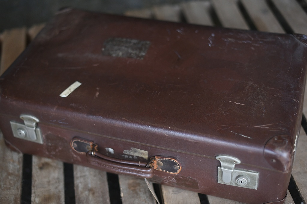 105688 UK ヴィンテージ 英国 グローブ トロッター 「GLOBE TROTTER」 MADE IN ENGLAND 刻印