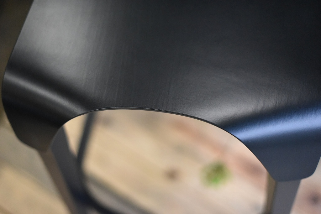 TON BAR STOOL Leaf 371438 ブラック ナチュラル